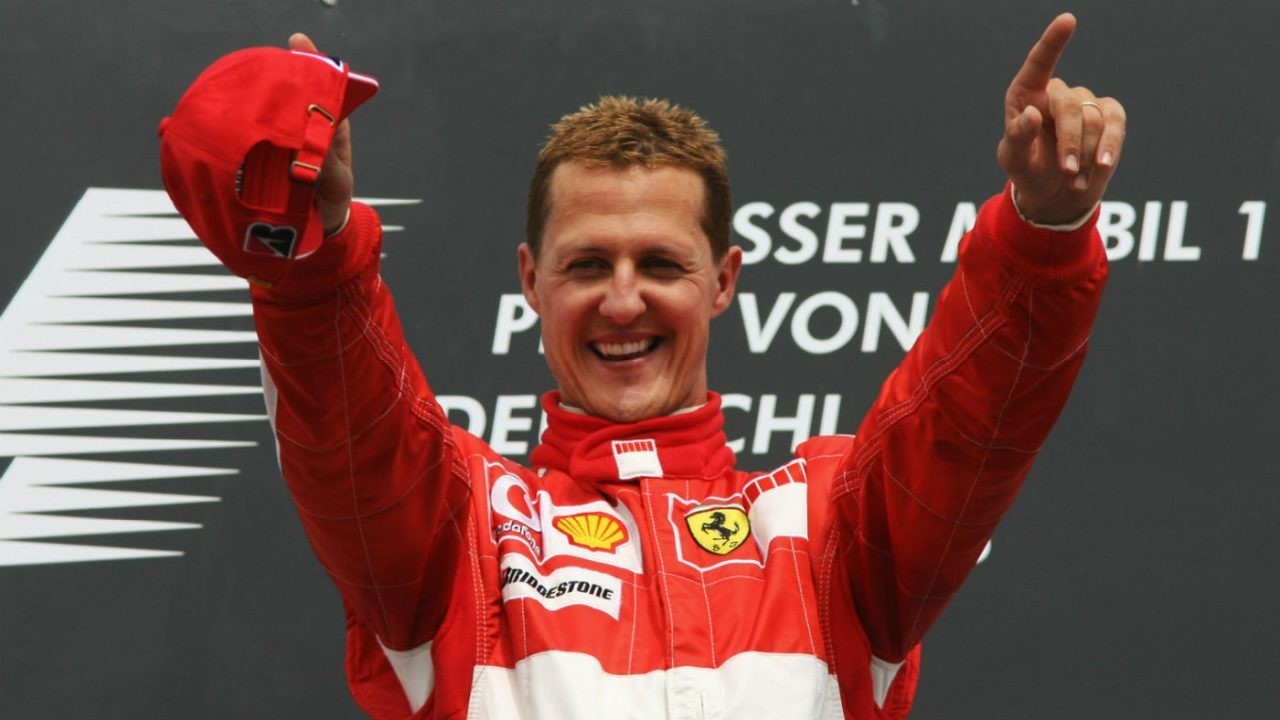 michael_schumacher_exhibition_ferrari_museum_gettyimages-71540754-1280x720